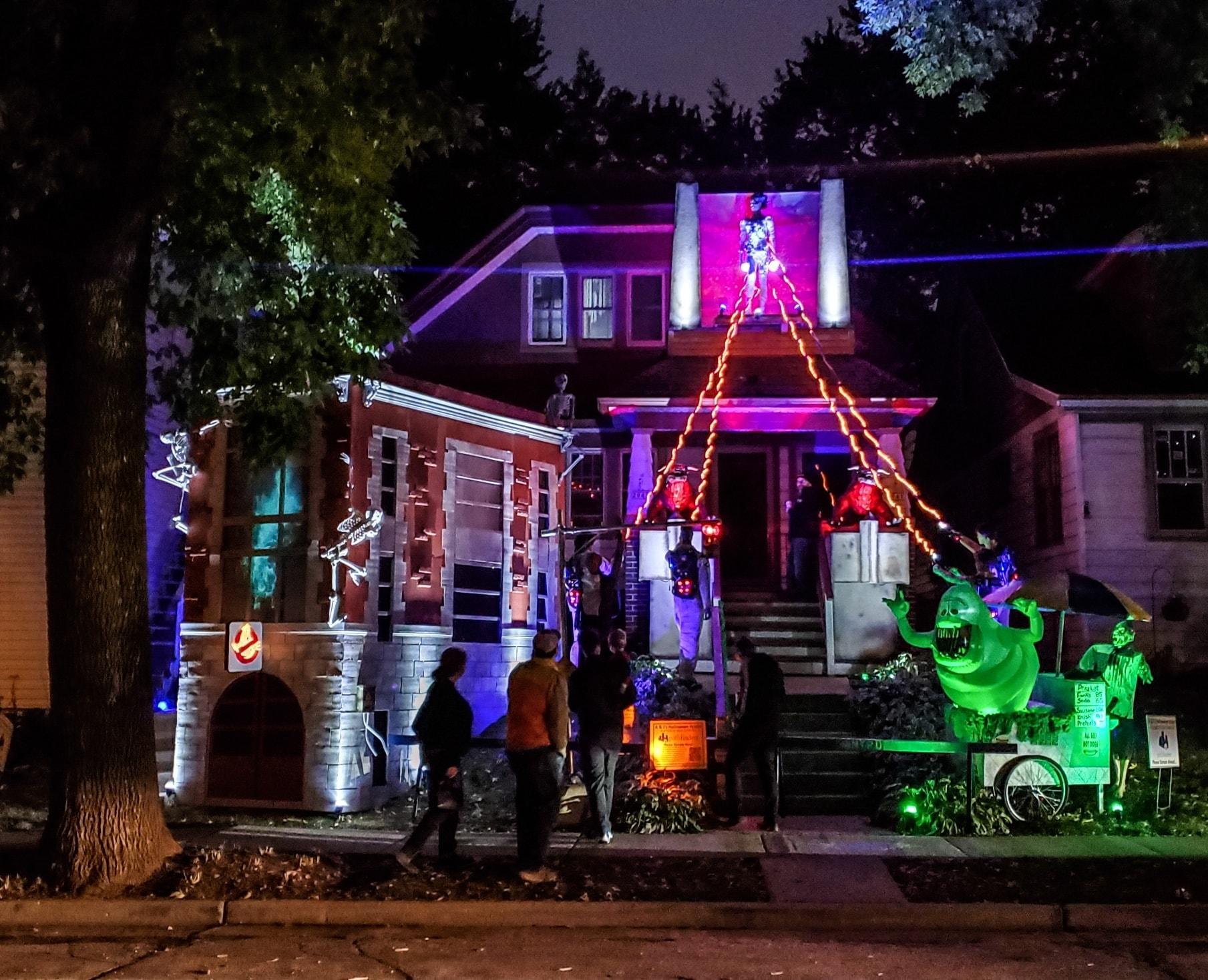 Maison Halloween - Milwaukee - Wiskonsin Night-AJ